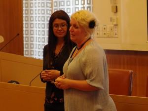 Hanna Westerén (S) och Helena Lindahl (C)